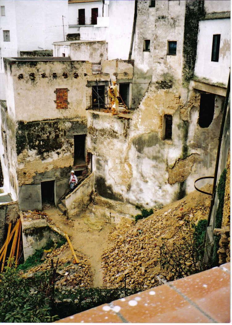 La fachada trasera de Tripería nº 1, ahora Las Palmeras del Califa en 1999